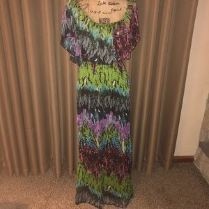 Dresses & Skirts - Maxi Ruffle On or Off Shoulder Multi Color Dress M